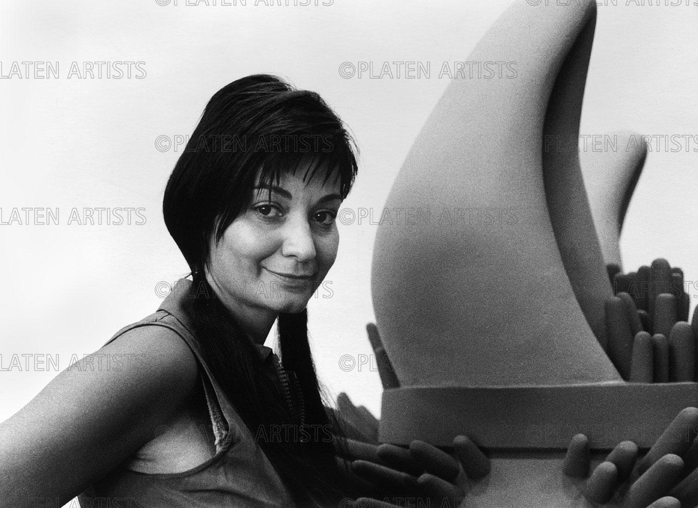 Sylvie Fleury, Schöne neue Warenwelt, Basel, 2000