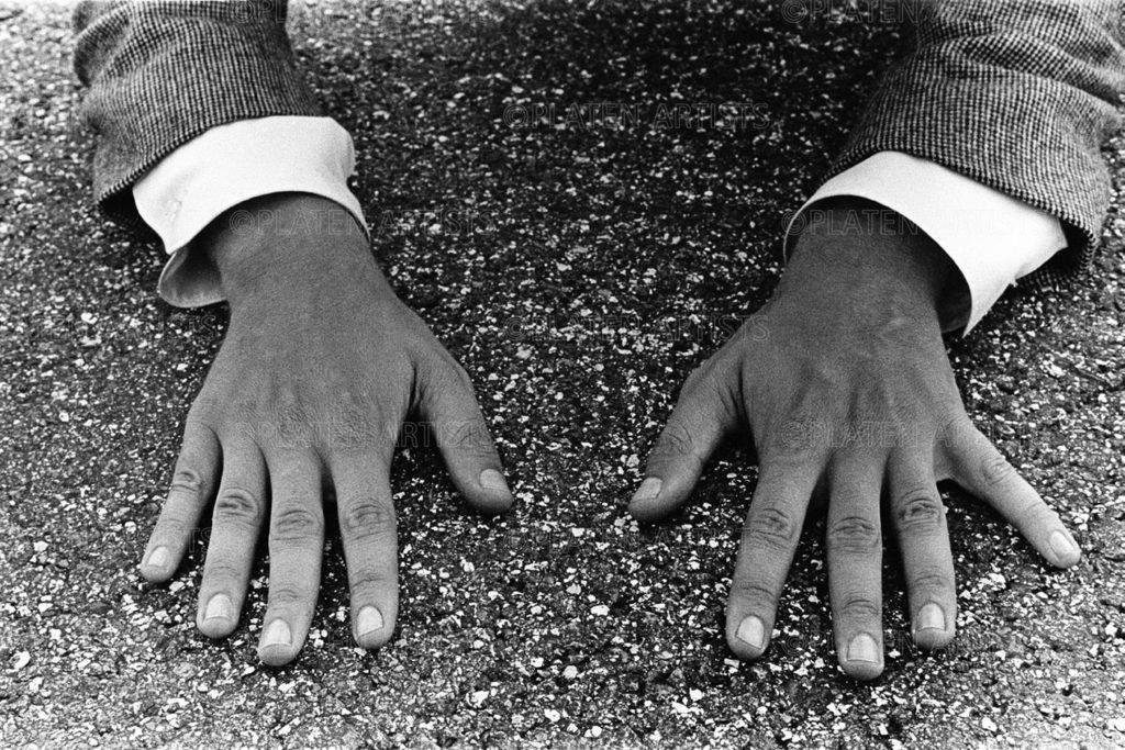 Walter de Maria, Handzeichen, Hamburg, 1968