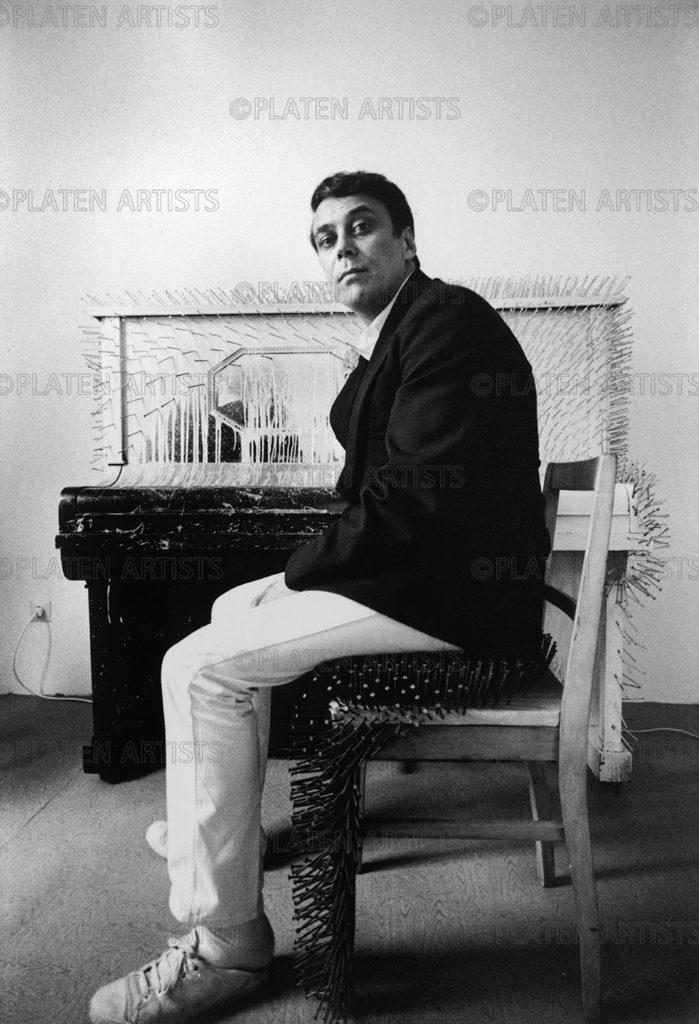 Günther Uecker, Fakir am Klavier, Düsseldorf, 1971