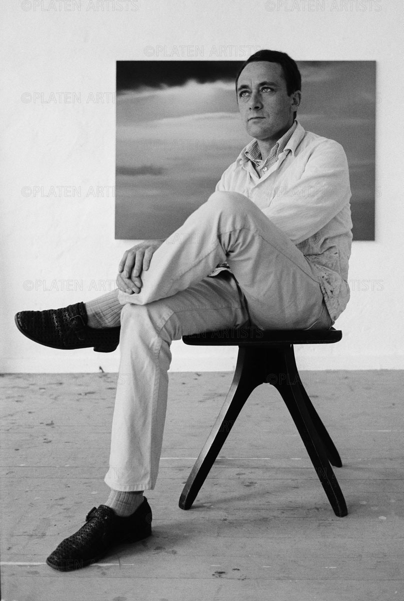 Gerhard Richter, Stuhl mit Künstler, Düsseldorf, 1971