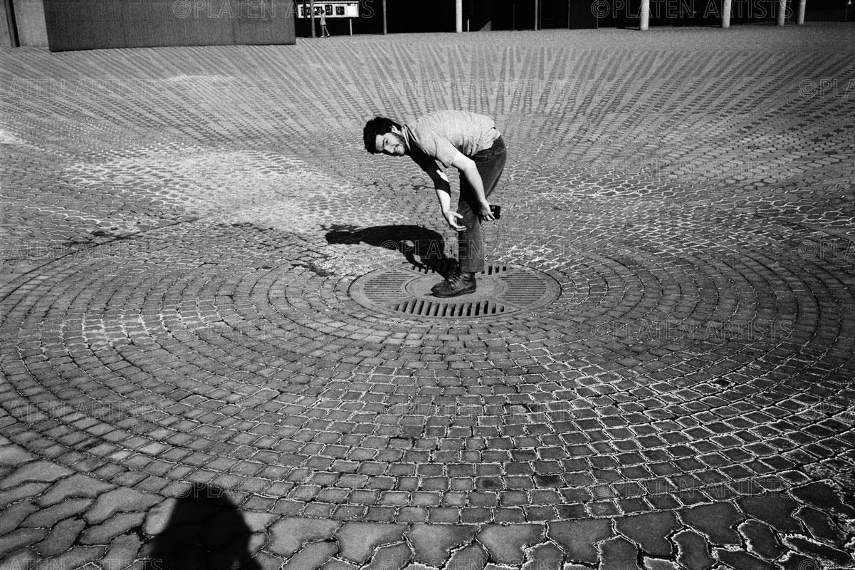 Dan Graham, Kamera-Uhr, Düsseldorf, 1969